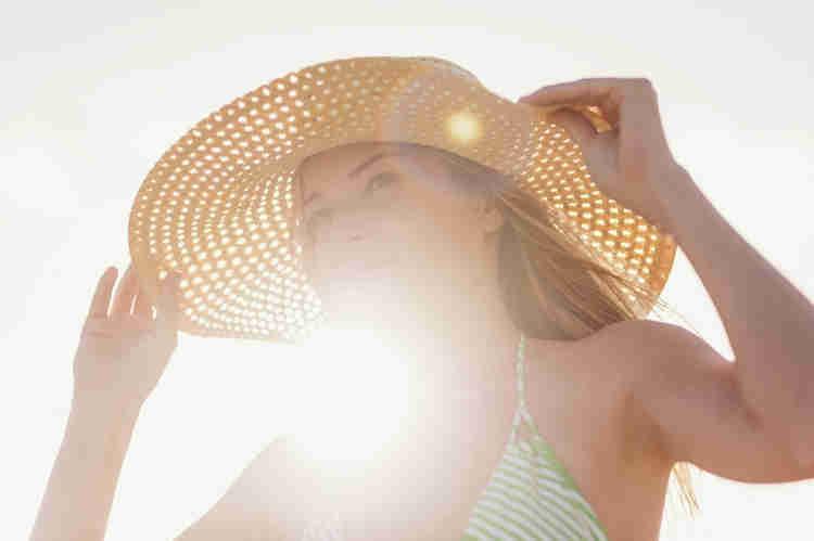 comment-proteger-cheveux-du-soleil-naturellement